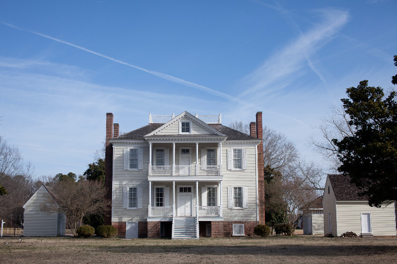 Front-of-Mansion-593-of-1760